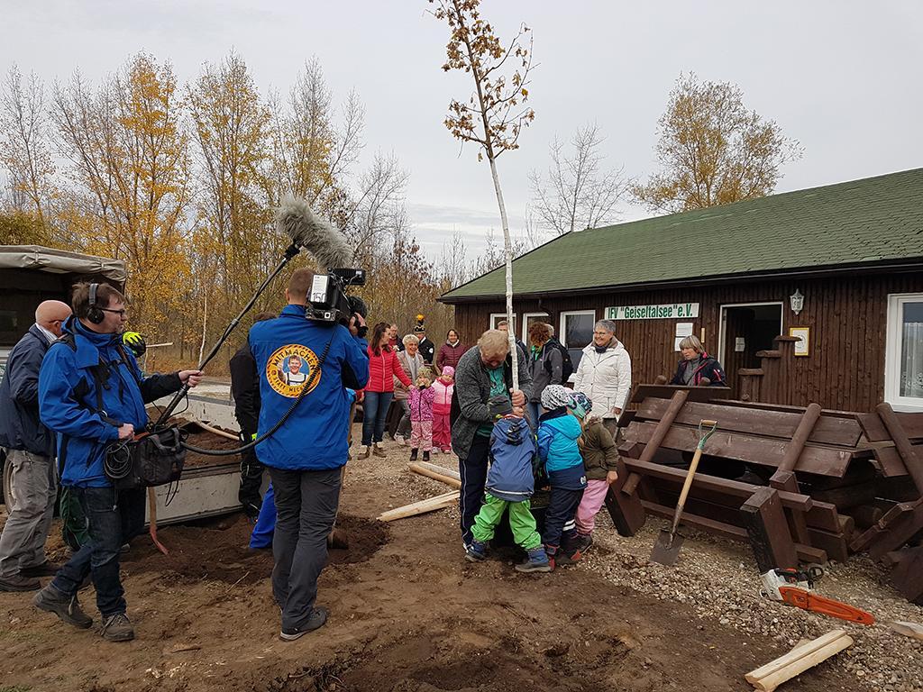 Baumpflanzaktion an der Wetterschutzhütte am 01.11.2018