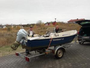 Vereinsboot auf dem Transport ins Winterquartier