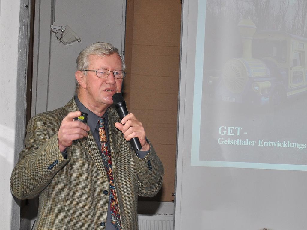 Vorsitzender Herr Reinhard Hirsch während des Rechenschaftsberichtes des Vorstandes