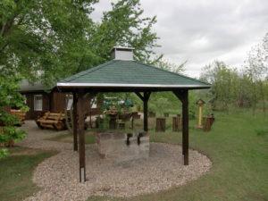 neues Dach am Grillplatz