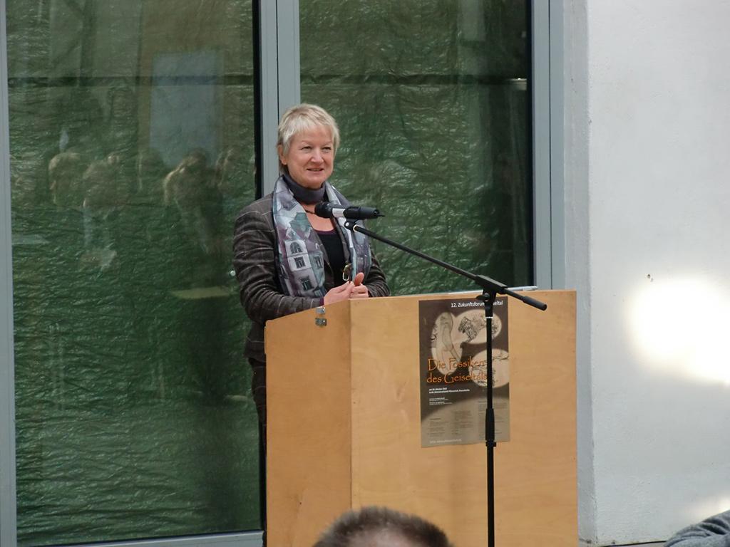 Die Moderation hatte Frau Ingrid Häußler übernommen