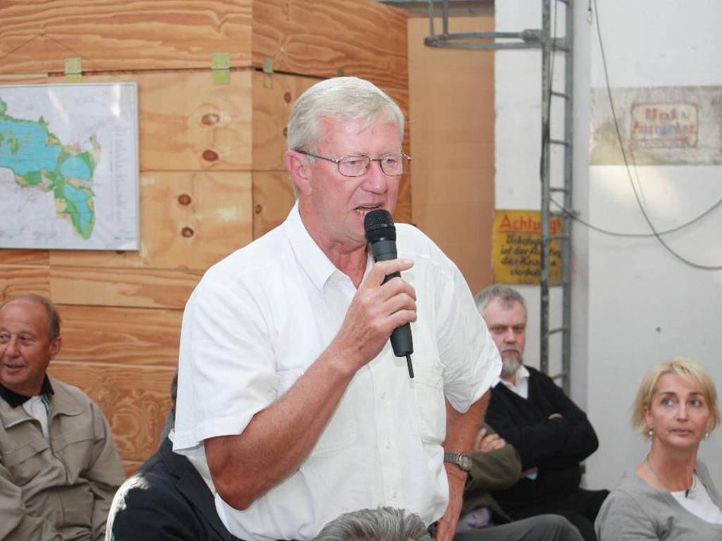 Herr Reinhard Hirsch
